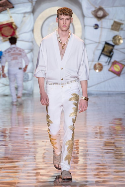 versace-milan-mens-spring-summer-2015-runway-images-17