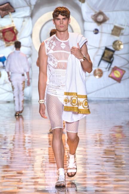 versace-milan-mens-spring-summer-2015-runway-images-19