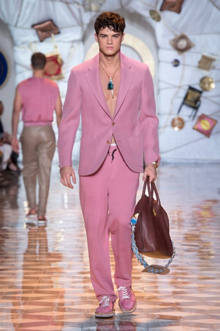 versace-milan-mens-spring-summer-2015-runway-images-3
