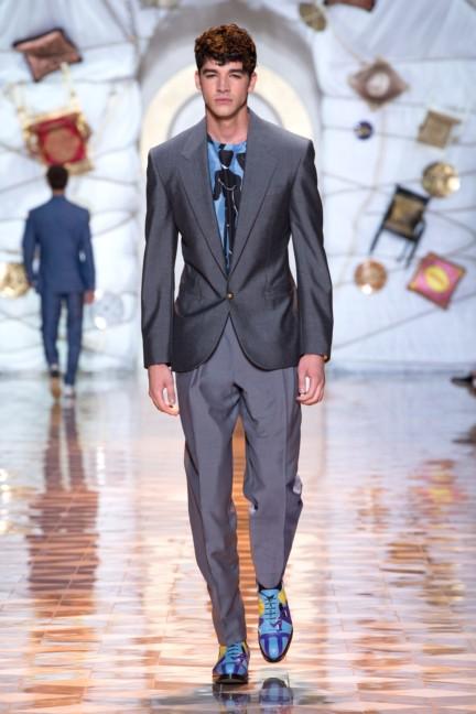 versace-milan-mens-spring-summer-2015-runway-images-30