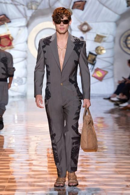 versace-milan-mens-spring-summer-2015-runway-images-33