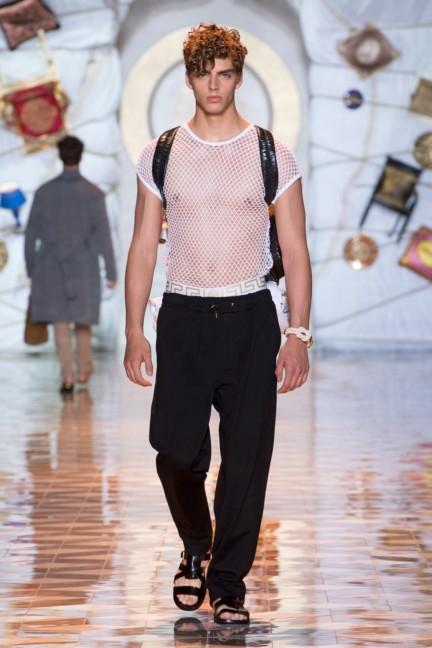versace-milan-mens-spring-summer-2015-runway-images-39