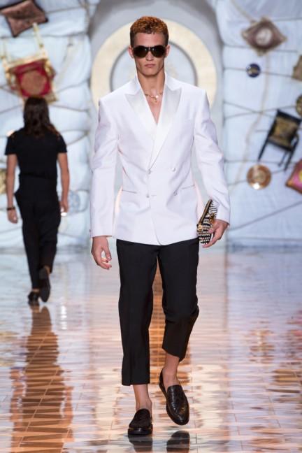 versace-milan-mens-spring-summer-2015-runway-images-44