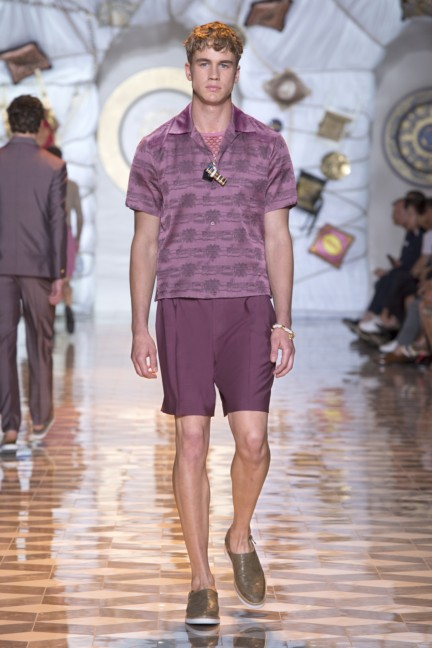 versace-milan-mens-spring-summer-2015-runway-images-6