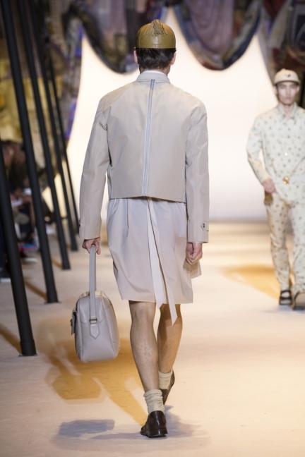 versace-mens-ss16_look-17
