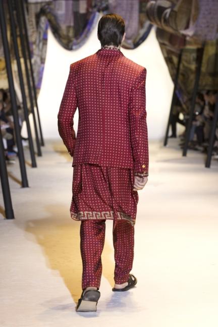 versace-mens-ss16_look-2