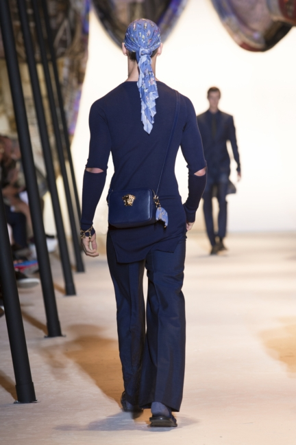 versace-mens-ss16_look-39
