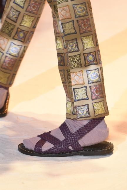 versace-milan-mens-spring-summer-2016-details-44