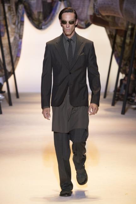 versace-mens-ss16_look-1