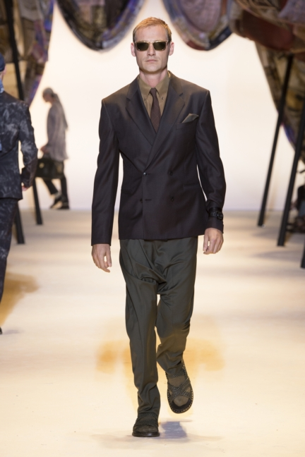 versace-mens-ss16_look-27