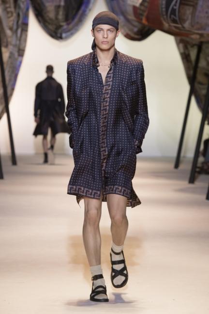 versace-mens-ss16_look-36