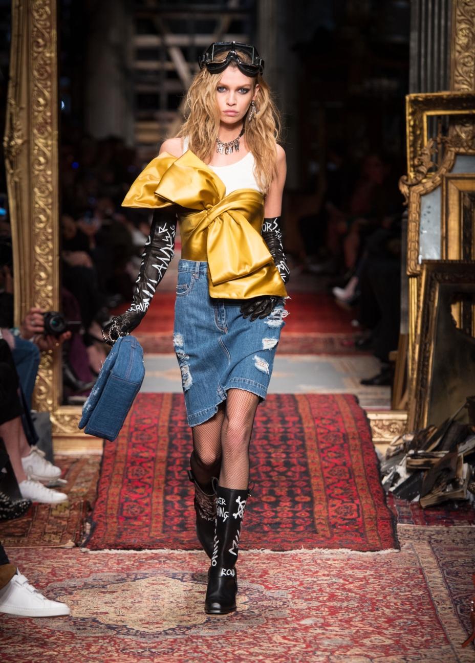 moschino-milan-fashion-week-aw-16-18