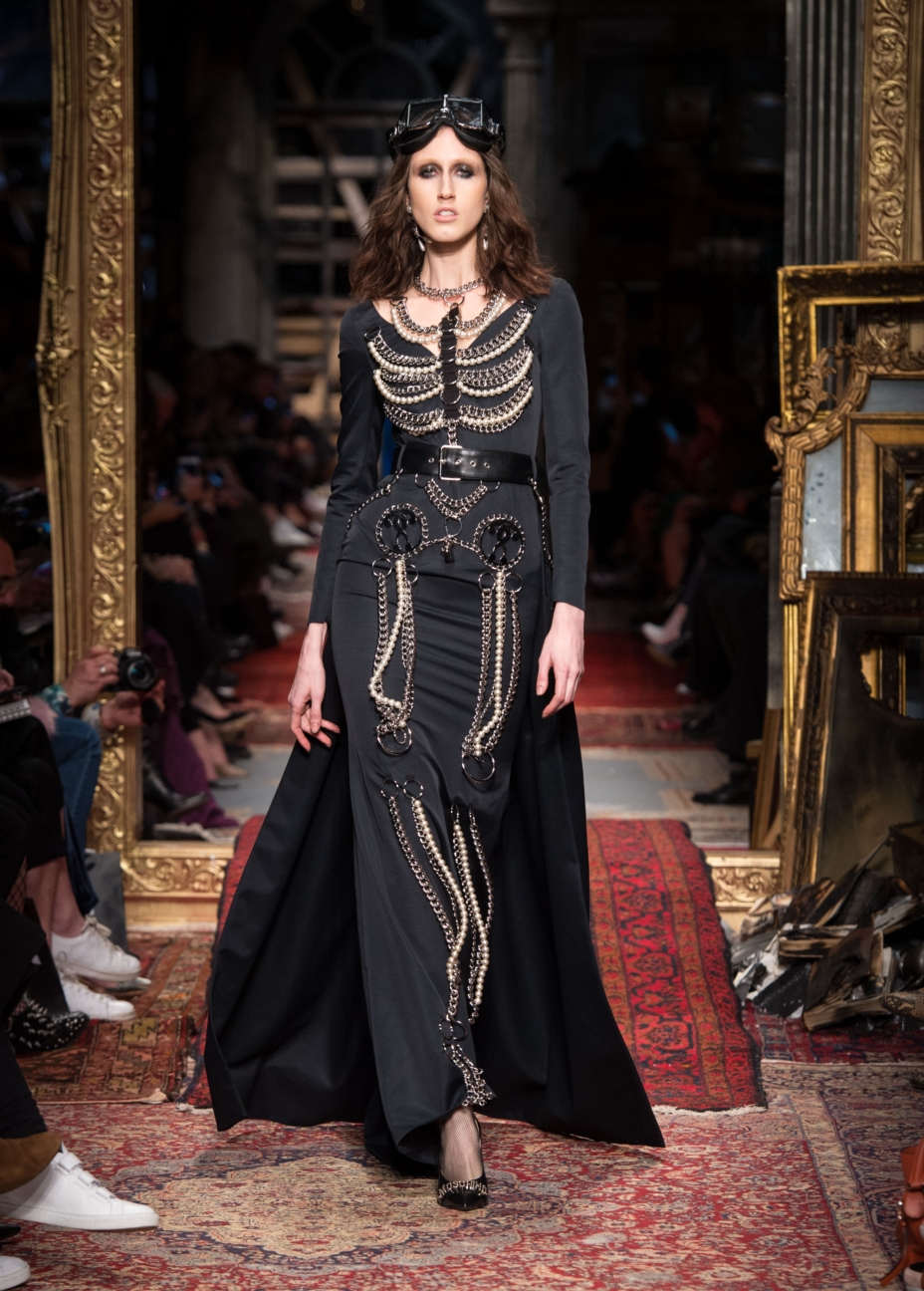 moschino-milan-fashion-week-aw-16-21