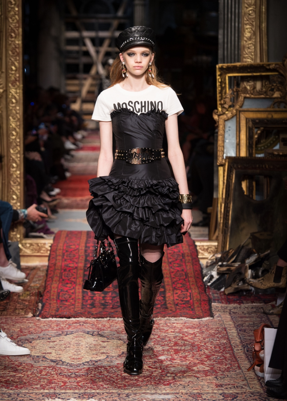moschino-milan-fashion-week-aw-16-24
