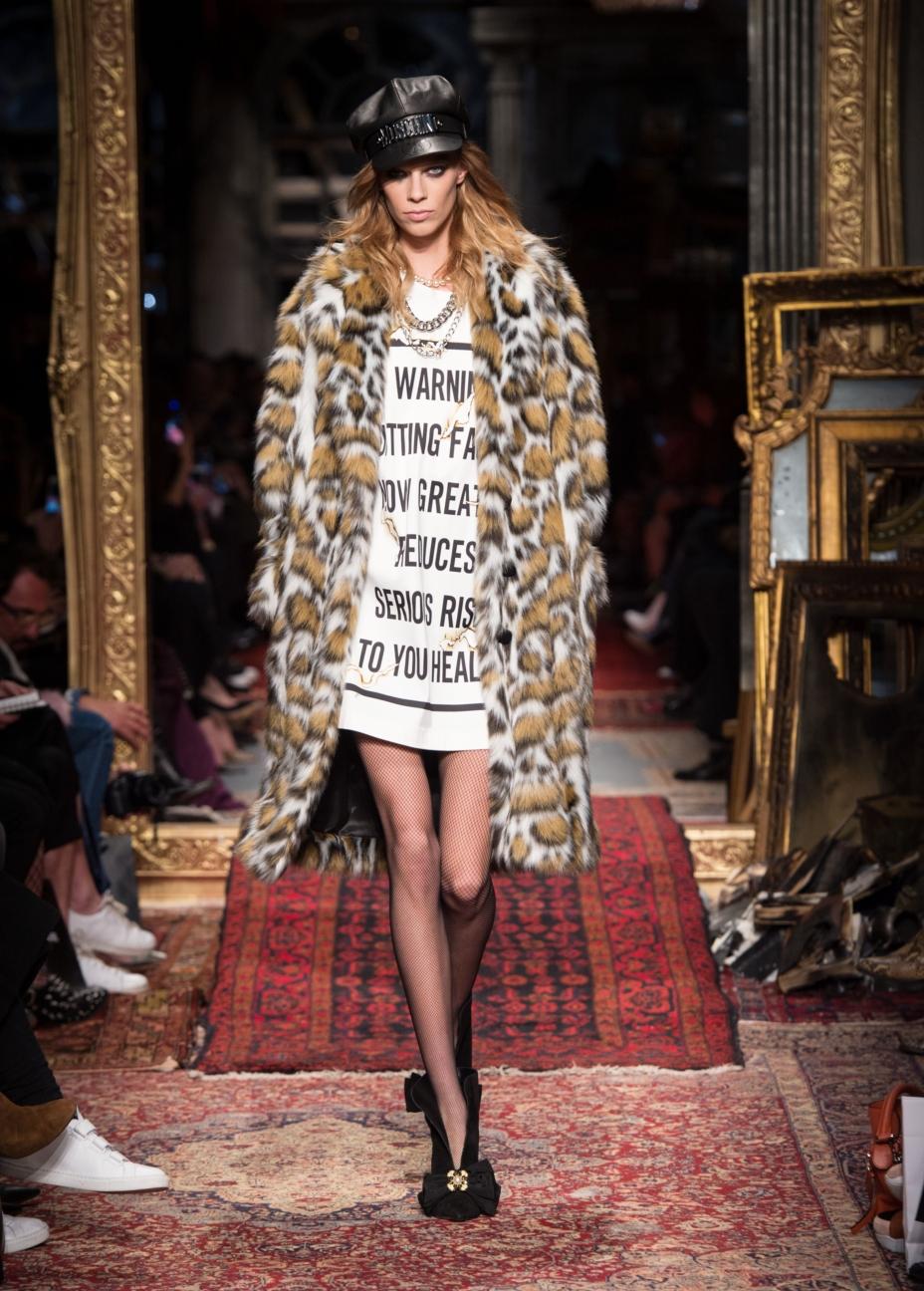 moschino-milan-fashion-week-aw-16-26