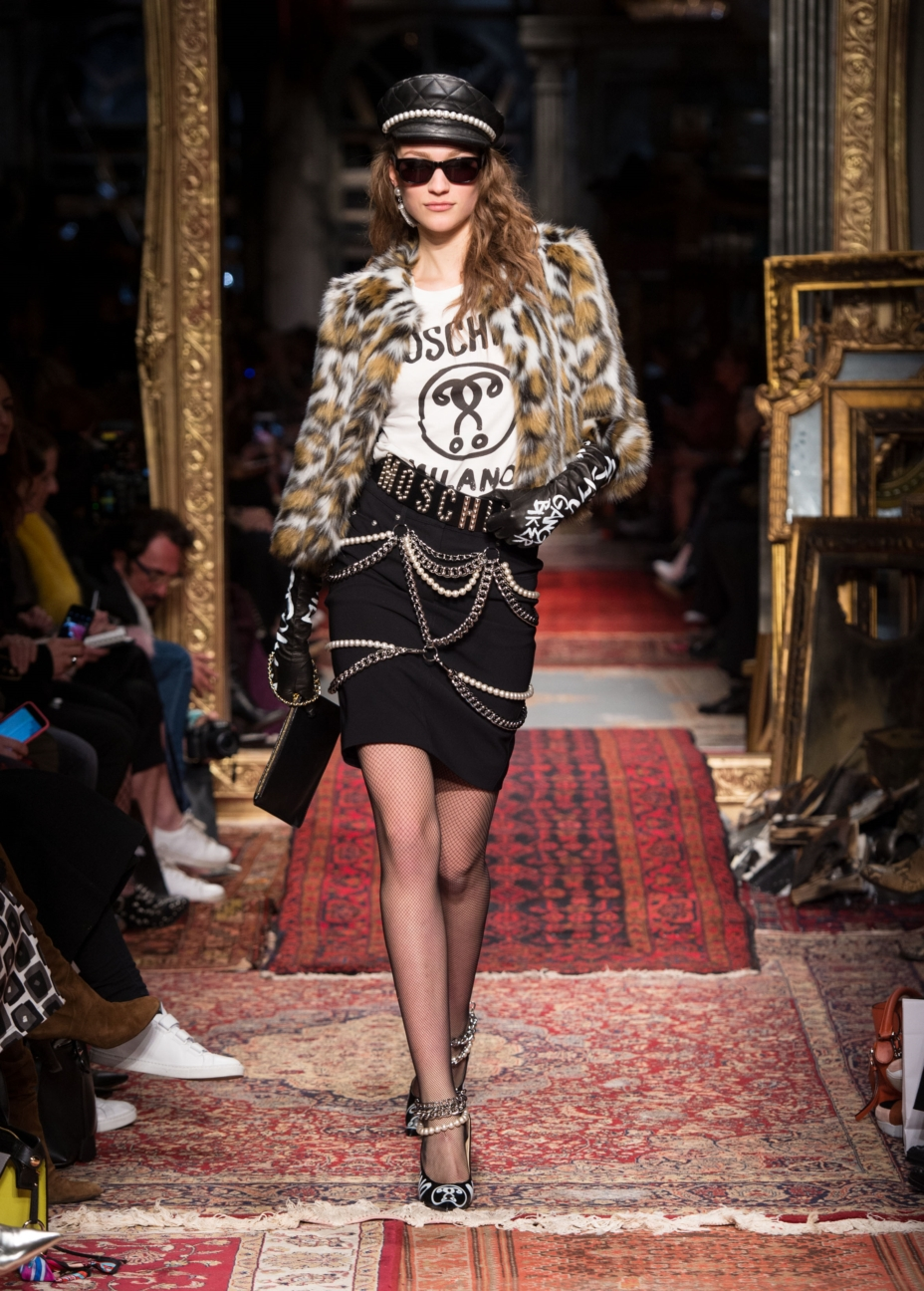 moschino-milan-fashion-week-aw-16-27