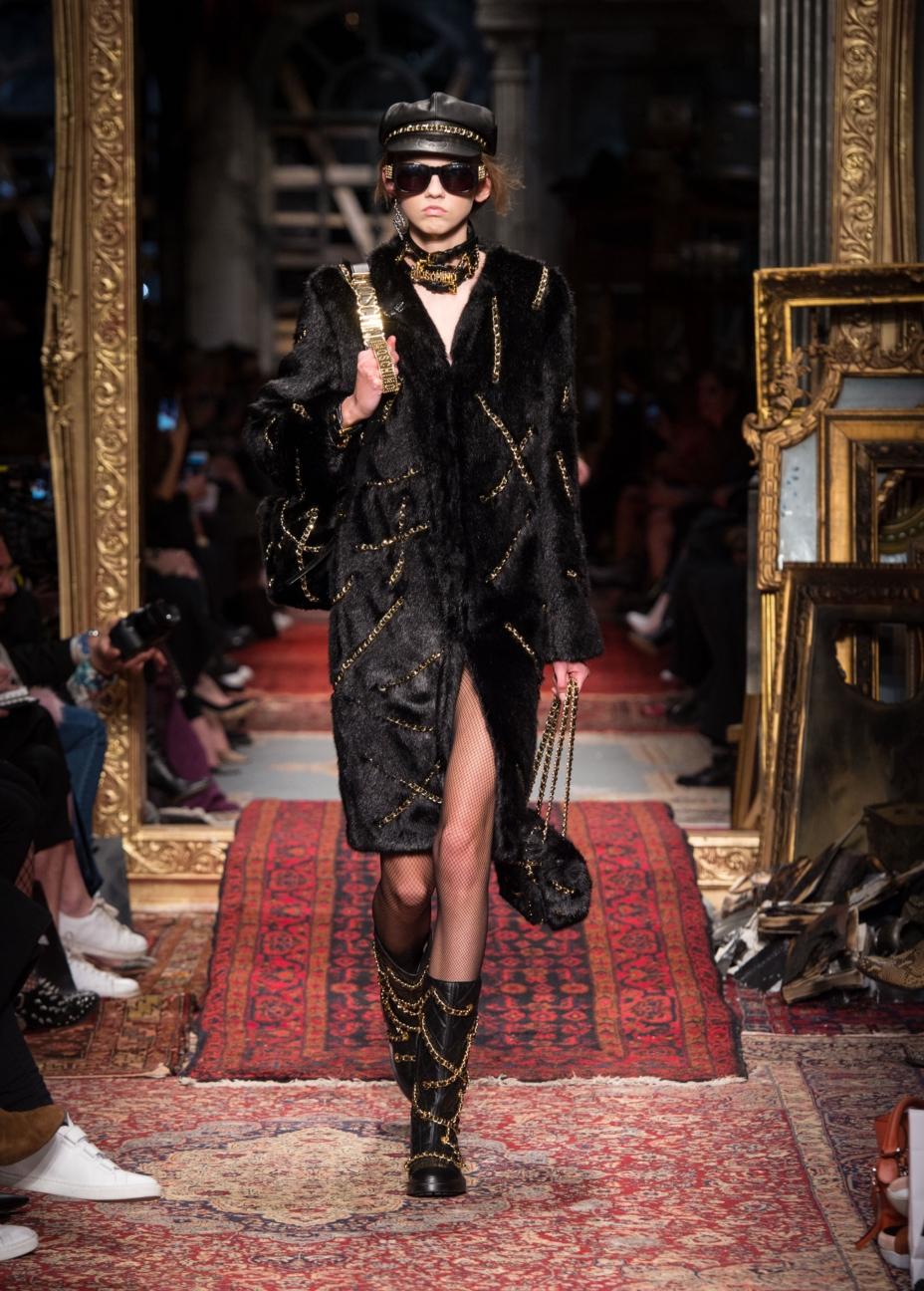 moschino-milan-fashion-week-aw-16-28