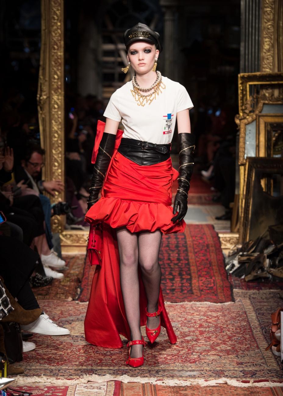 moschino-milan-fashion-week-aw-16-31