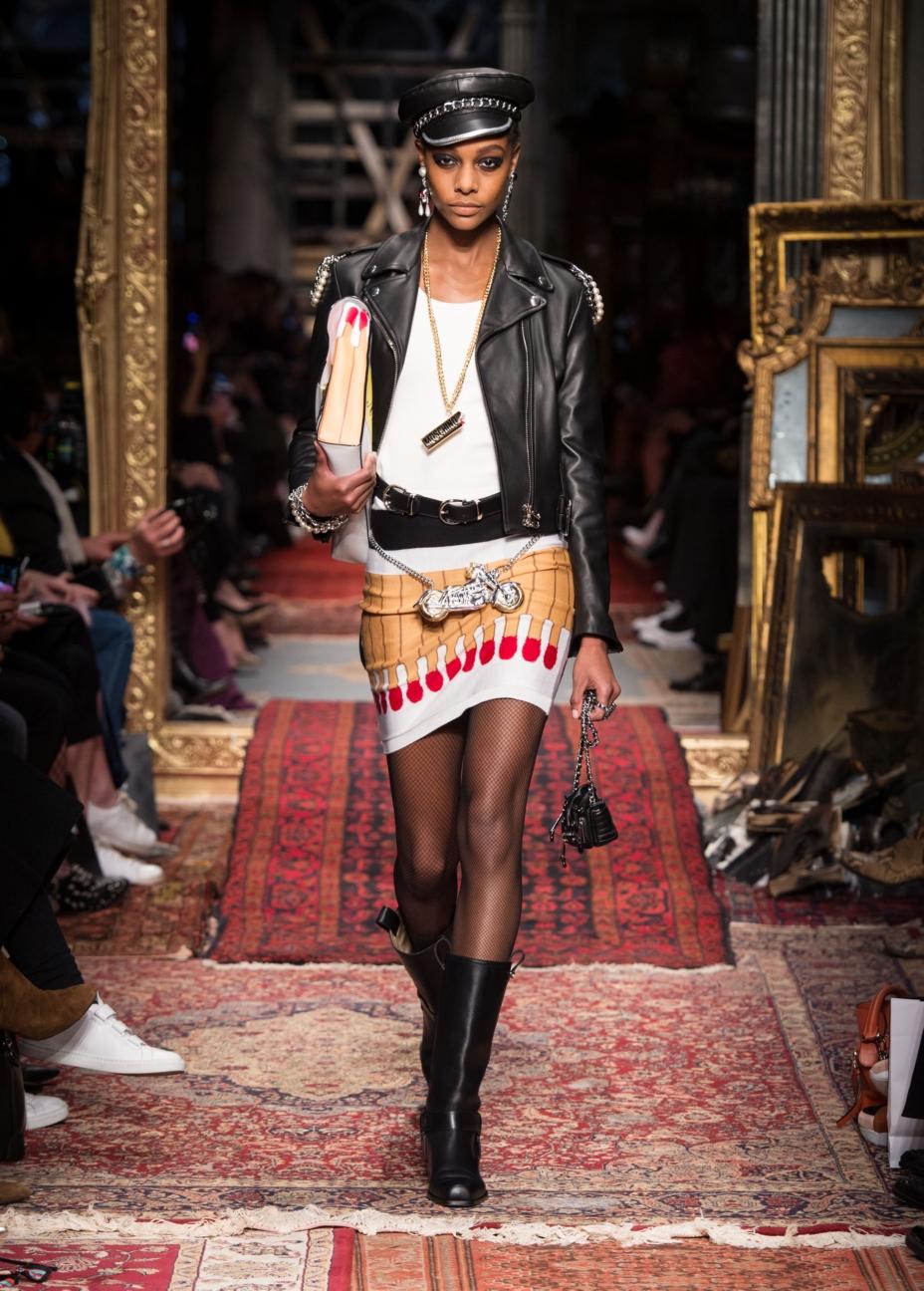 moschino-milan-fashion-week-aw-16-35