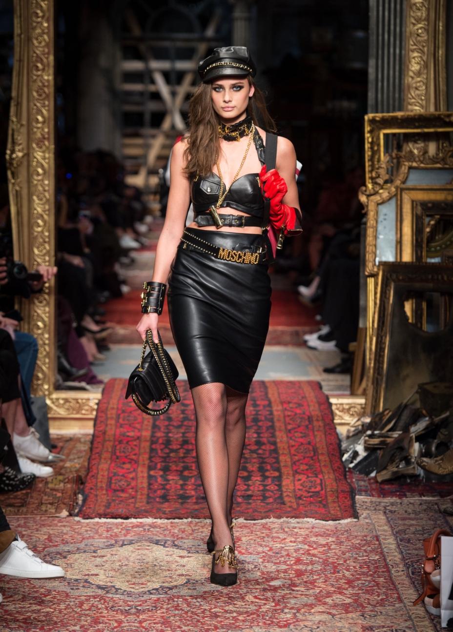 moschino-milan-fashion-week-aw-16-36