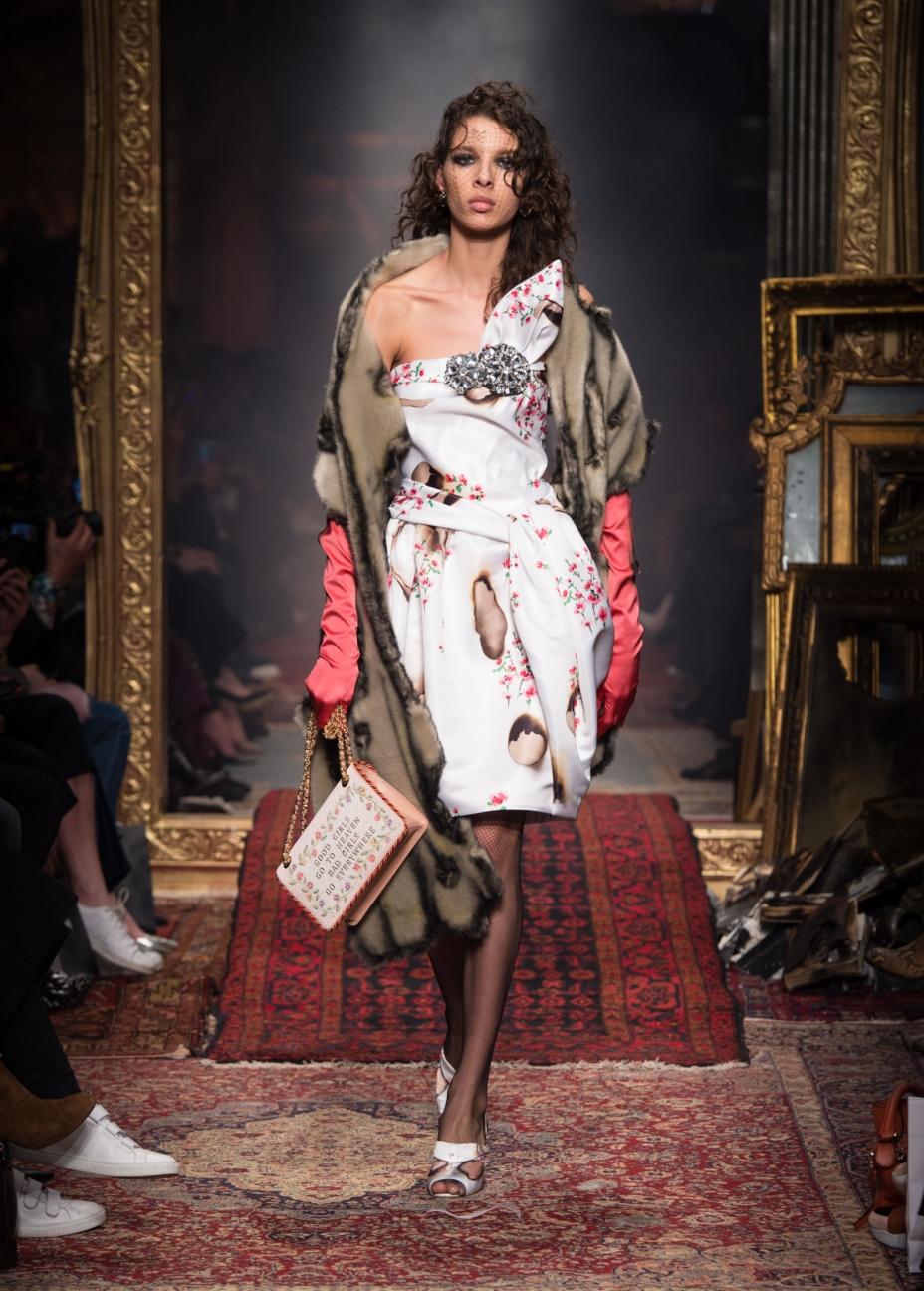 moschino-milan-fashion-week-aw-16-45