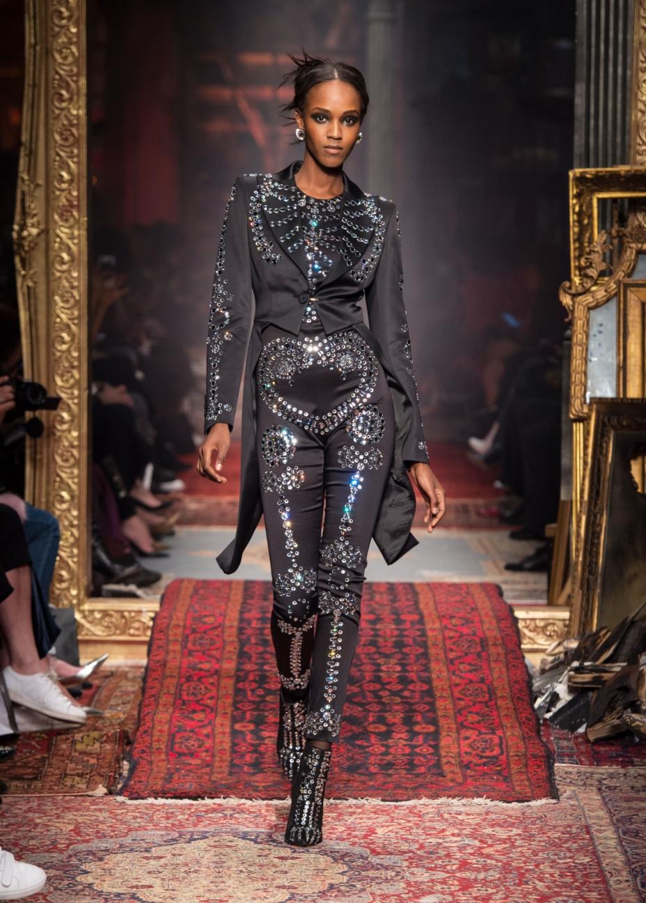 moschino-milan-fashion-week-aw-16-52