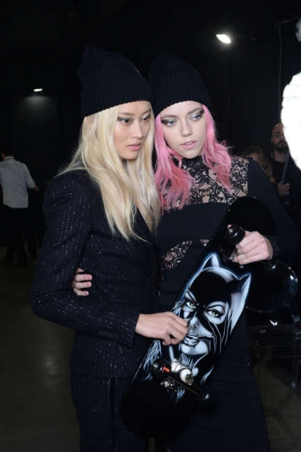 philipp-plein-aw1617-women_s-fashion-show-backstage-sgp-34