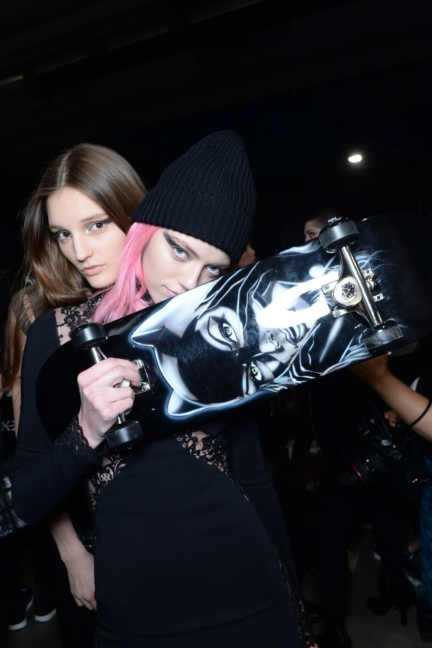philipp-plein-aw1617-women_s-fashion-show-backstage-sgp-51