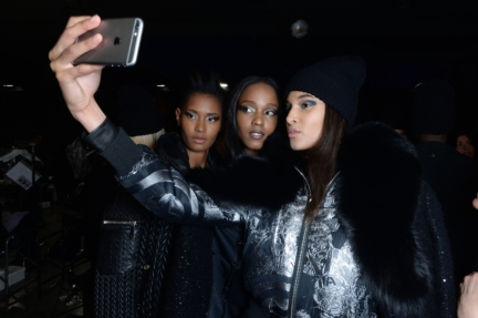 philipp-plein-aw1617-women_s-fashion-show-backstage-sgp-52