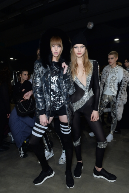 philipp-plein-aw1617-women_s-fashion-show-backstage-sgp-75