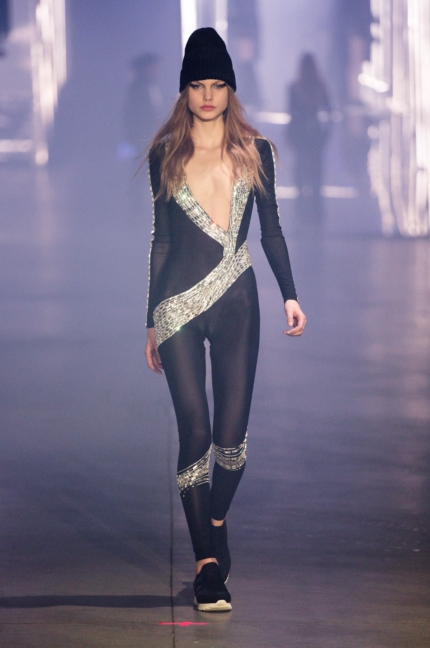 philipp-plein-women_s-fashion-show-fw1617-runway-47