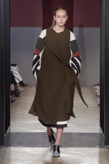 sportmax-milan-fashion-week-aw-16-17