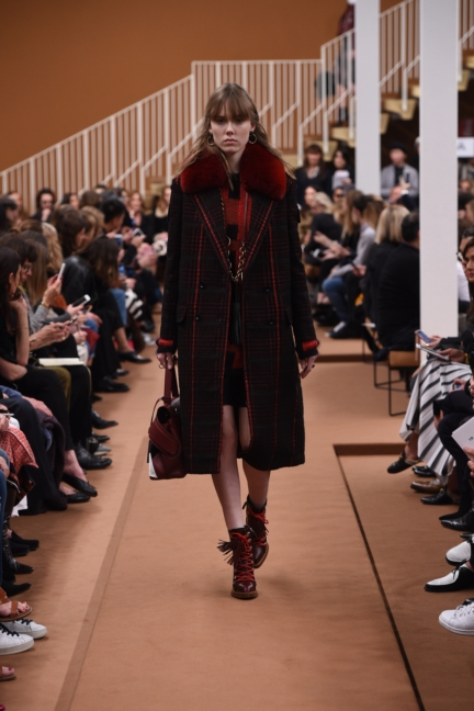 tods_women_fw17_look_06