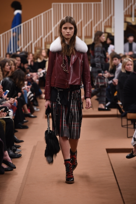tods_women_fw17_look_08