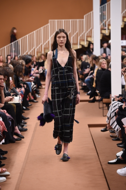 tods_women_fw17_look_13