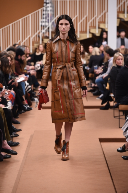 tods_women_fw17_look_30