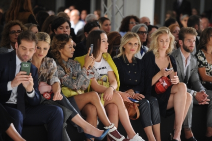 trussardi-womens_mens_ss18_frontrow2