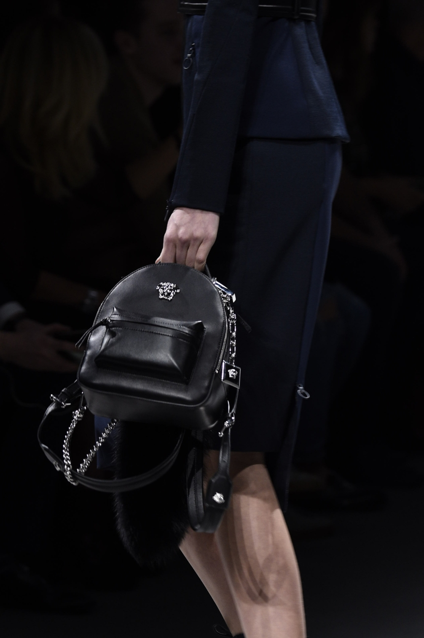 versace_women_fw16_009__arm9512