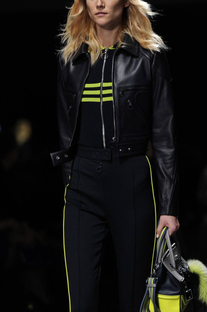versace_women_fw16_106_mm3_5292