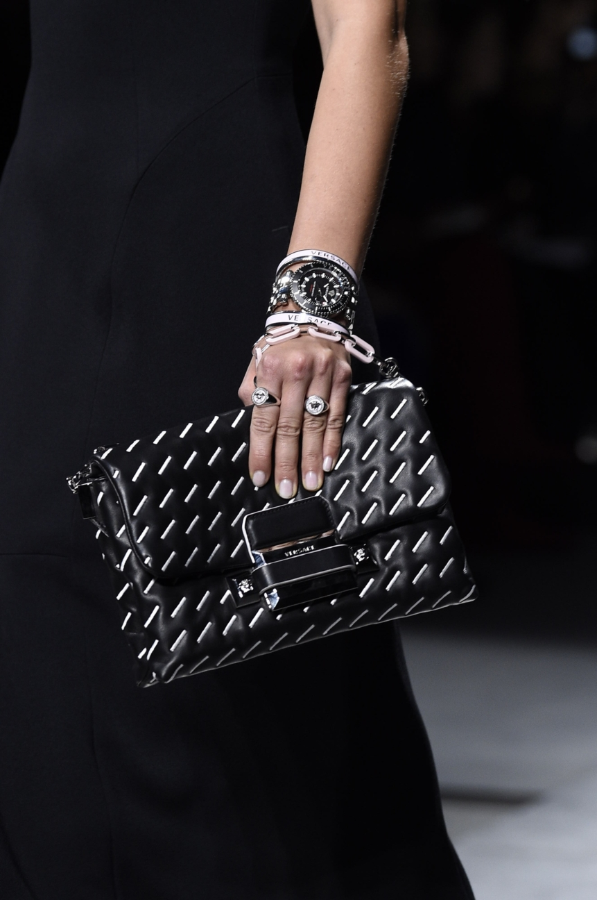 versace_women_fw16_152__arm0106