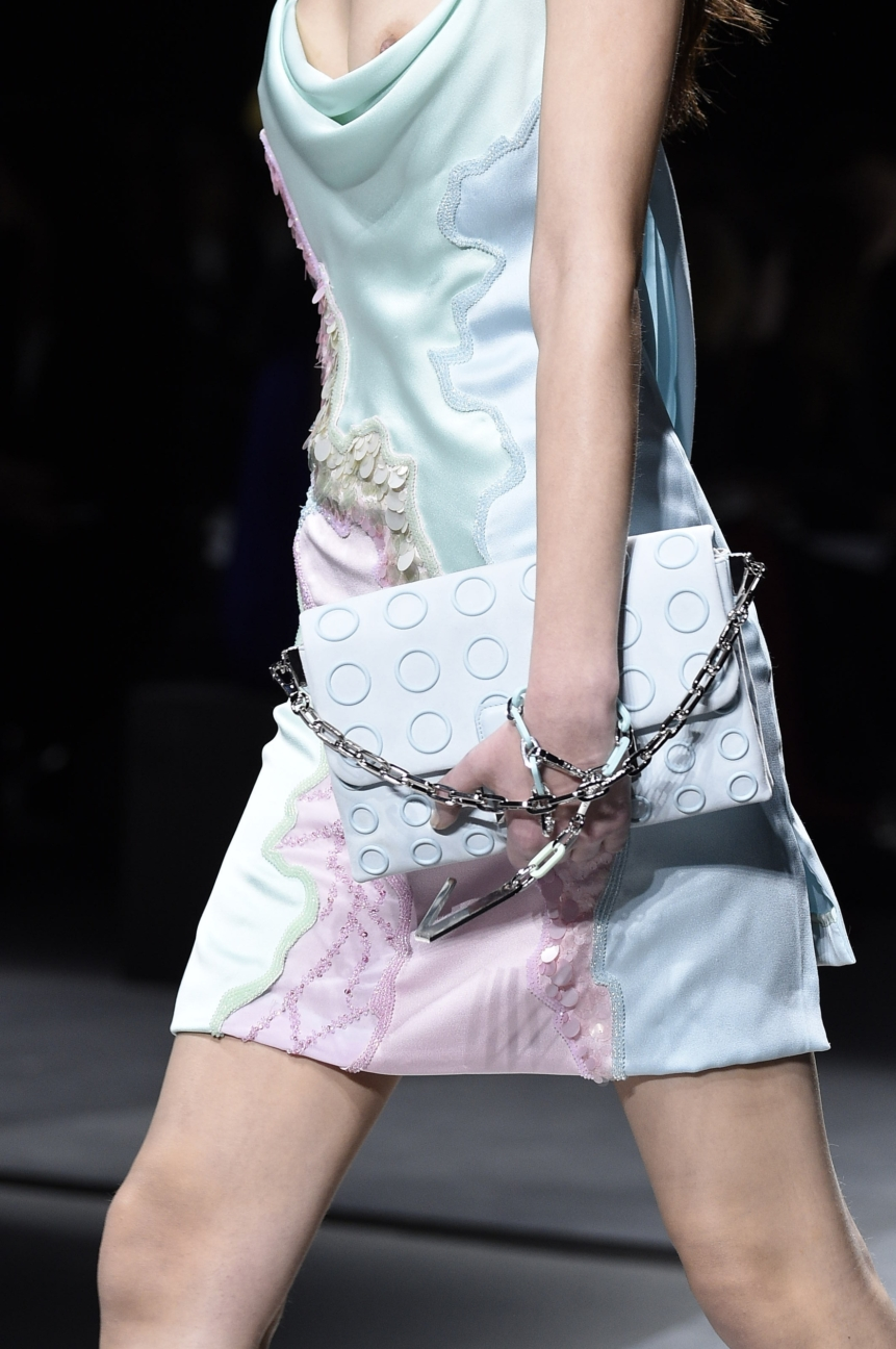 versace_women_fw16_detail_186__arm0246