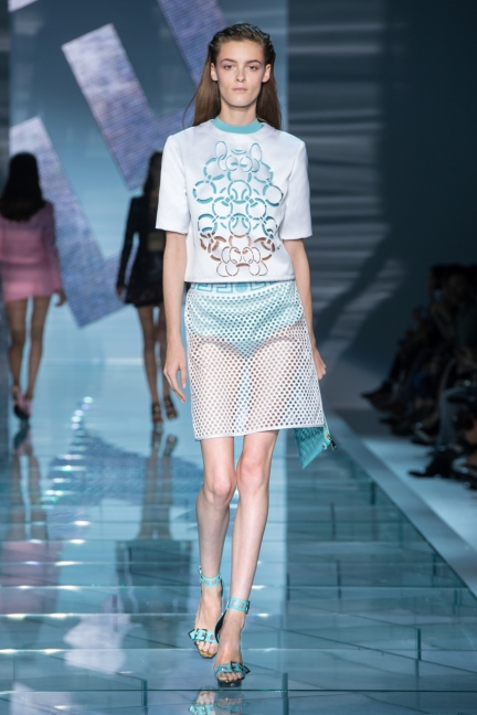 versace-w-ss15-look_22-copy