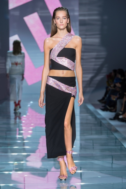 versace-w-ss15-look_38-copy