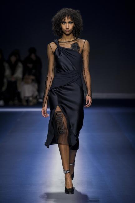 versace_women_fw17-34