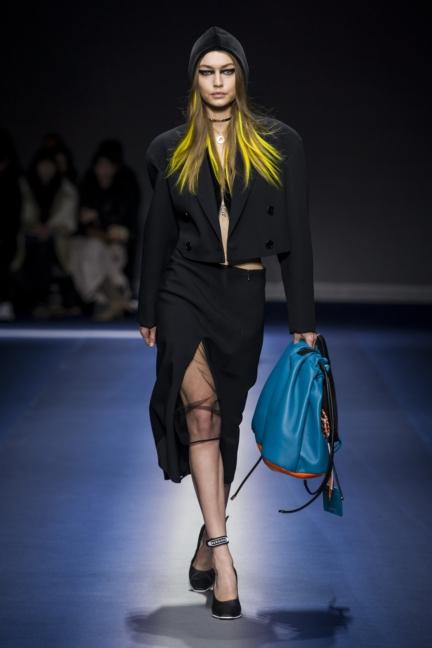 versace_women_fw17-4
