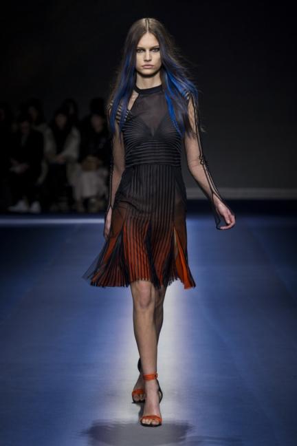 versace_women_fw17-46