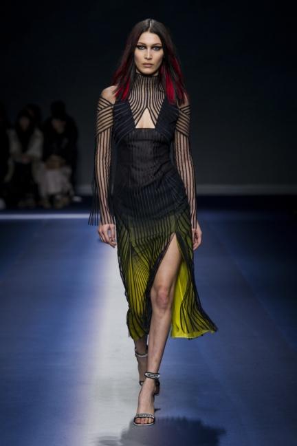 versace_women_fw17-48