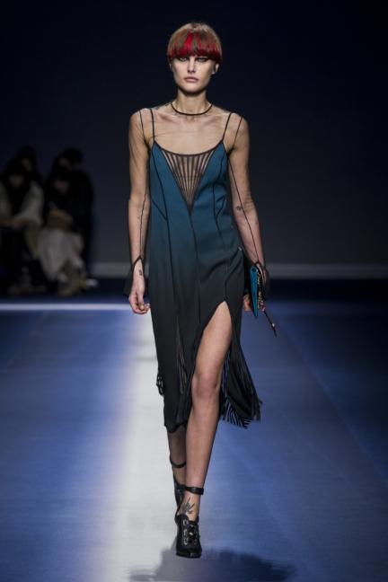 versace_women_fw17-8