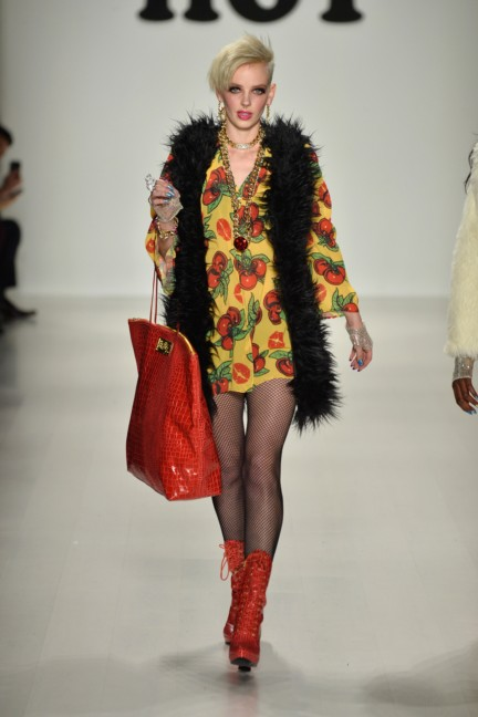 aw-2014_mercedes-benz-fashion-week-new-york_us_betsey-johnson_45549
