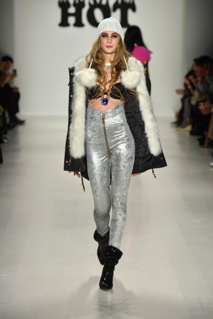 aw-2014_mercedes-benz-fashion-week-new-york_us_betsey-johnson_45558